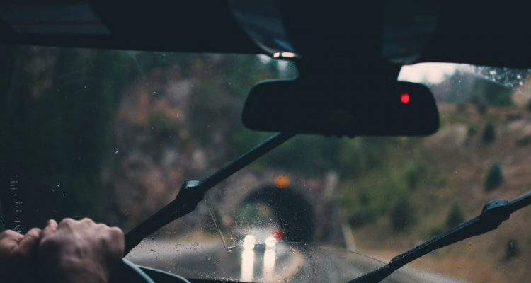how to install windshield wipers