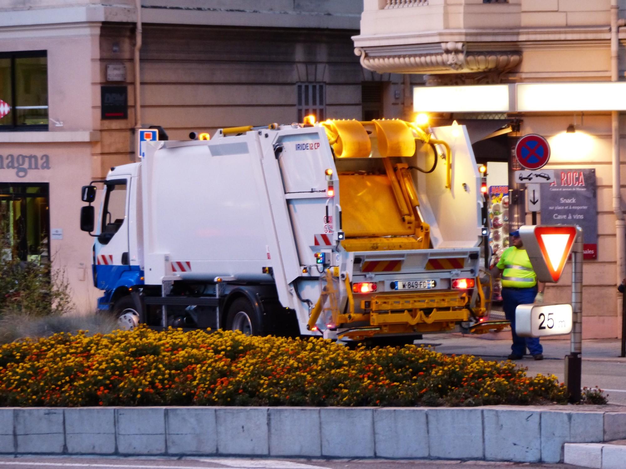 Garbage Truck Maintenance