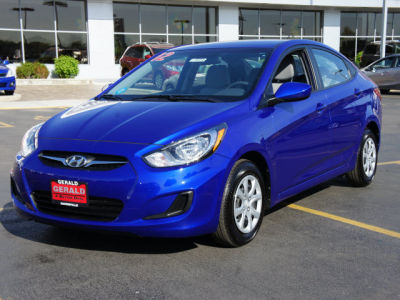 buy 2012 hyundai accent gls5 651 sedan blue gray 3353. Black Bedroom Furniture Sets. Home Design Ideas