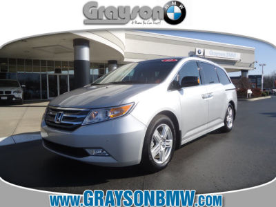 buy 2012 honda odyssey touring elite6 587 minivan alabaster silver met gray 43741w. Black Bedroom Furniture Sets. Home Design Ideas