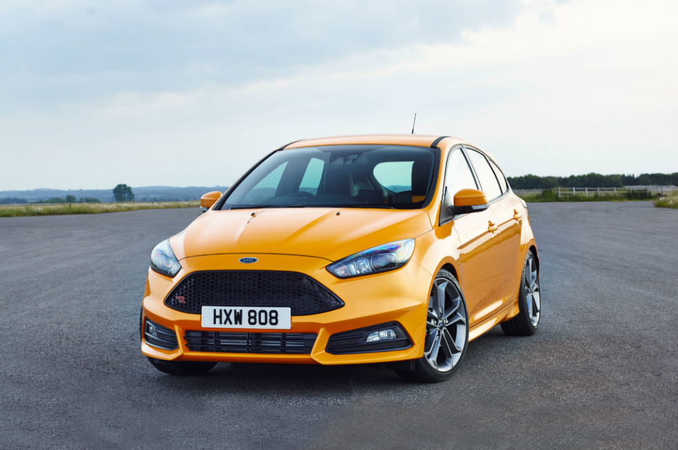ford introduces its new focus st and focus st diesel at goodwood. Black Bedroom Furniture Sets. Home Design Ideas