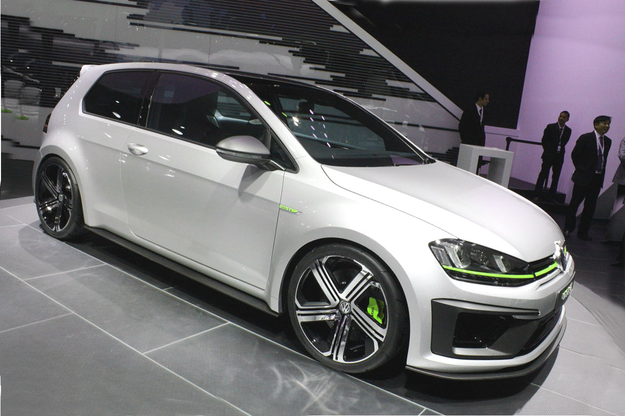 volkswagen shows its golf r 400 concept at the auto show in beijing. Black Bedroom Furniture Sets. Home Design Ideas