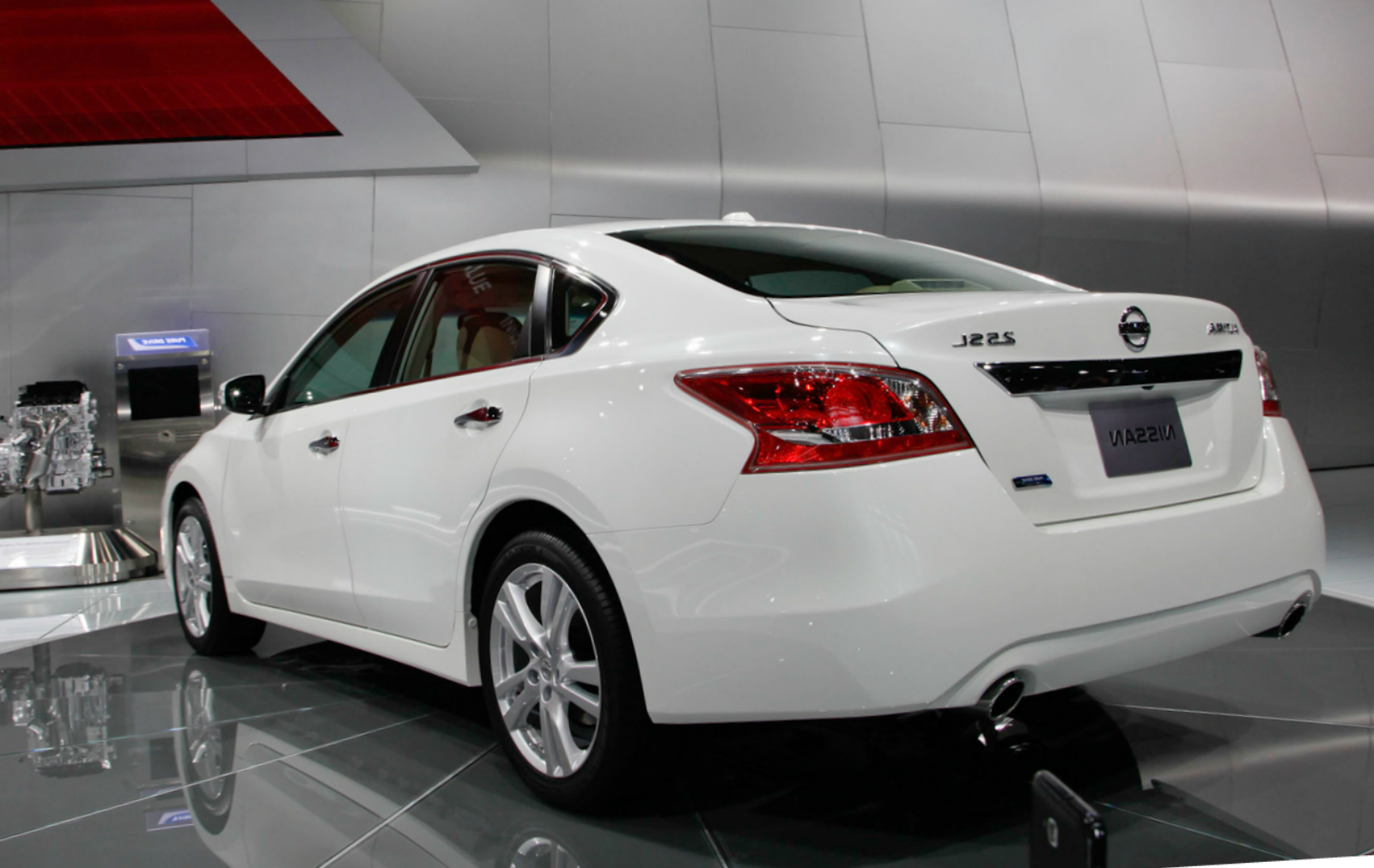 2012 nissan altima recalls warranty nissan usa. Black Bedroom Furniture Sets. Home Design Ideas