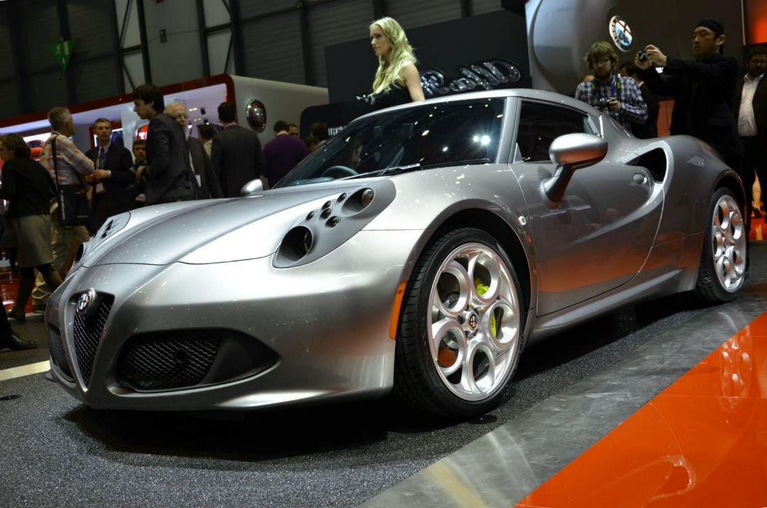 2014 Alfa Romeo 4C review