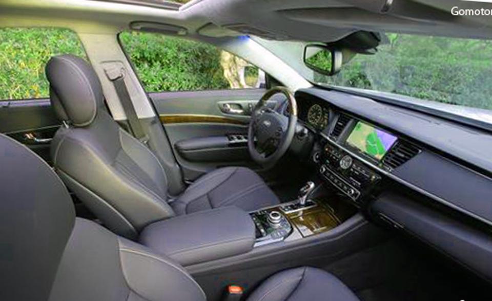 2015 Kia K900 V-8