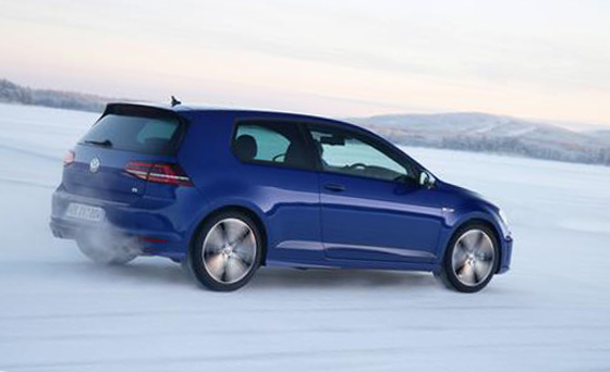 2015 Volkswagen Golf R Hatchback