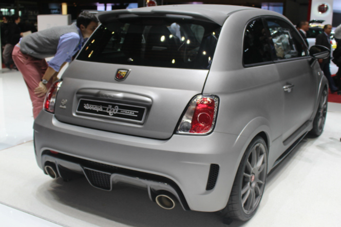 2015 fiat 695 abarth biposto review. Black Bedroom Furniture Sets. Home Design Ideas