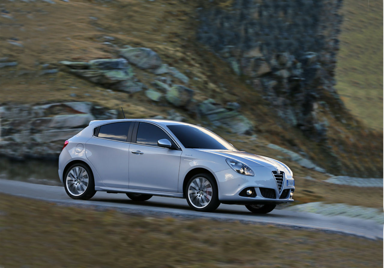 2014 alfa romeo giulietta review. Black Bedroom Furniture Sets. Home Design Ideas