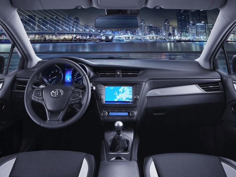 Toyota Avensis Skyview >> 2016 Toyota Avensis review