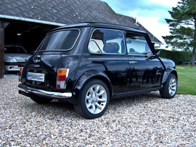 austin mini 1300 cooper s picture 11 reviews news. Black Bedroom Furniture Sets. Home Design Ideas