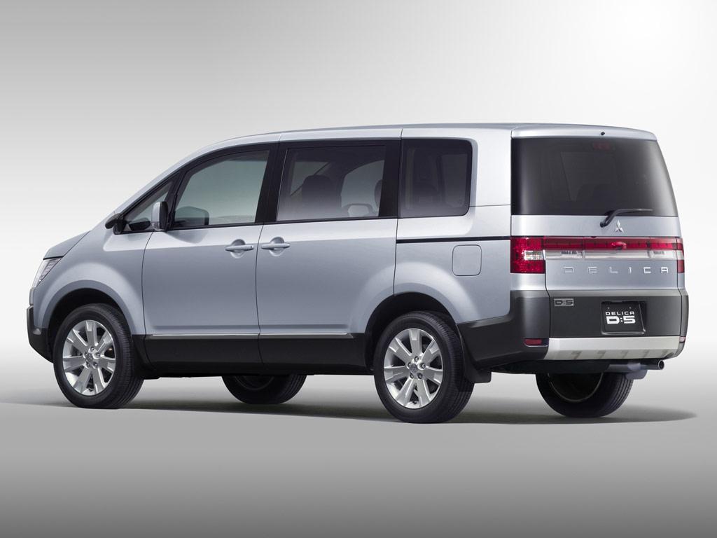 Mitsubishi delica d5 picture 8 reviews news specs buy car