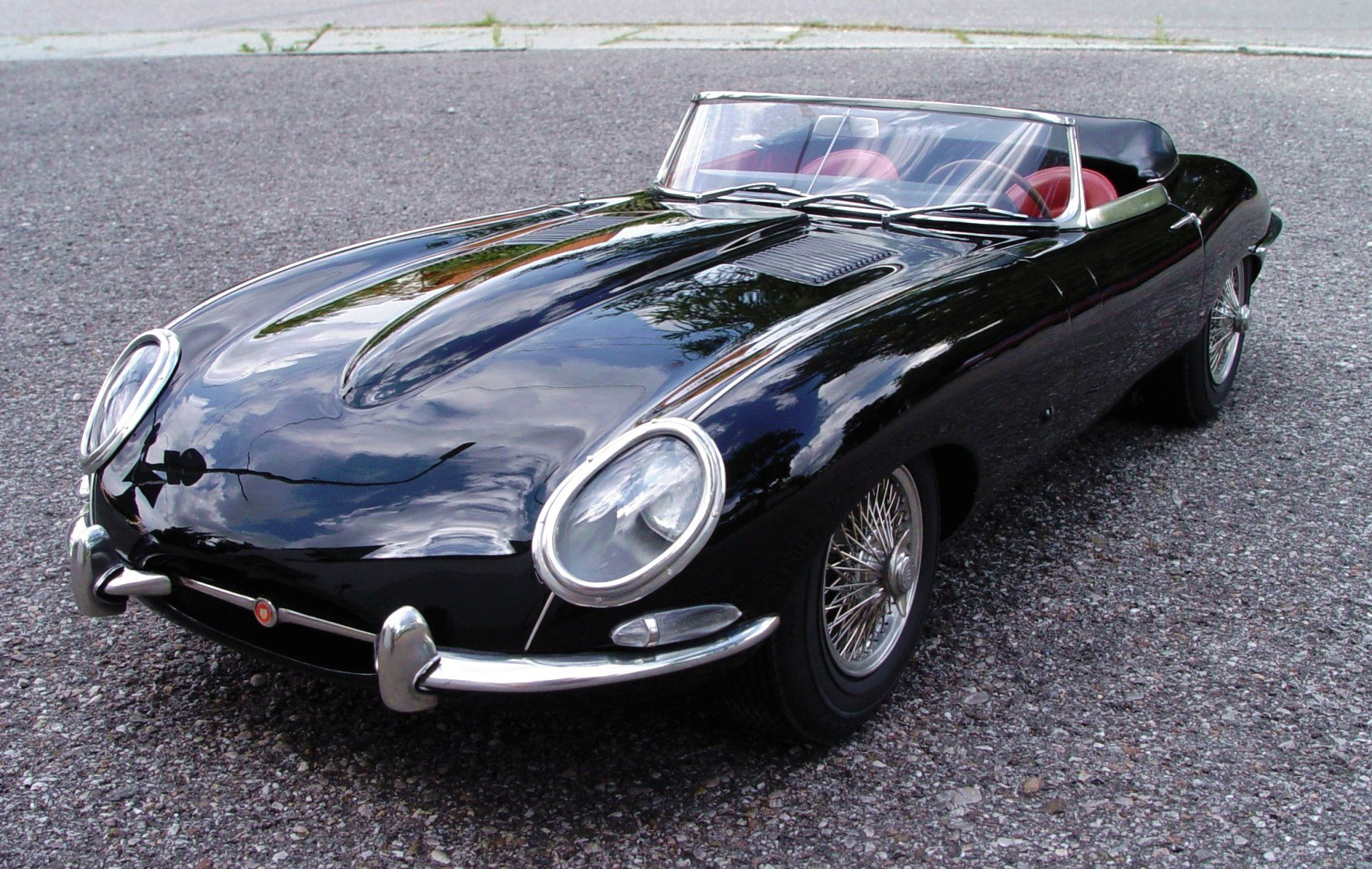 jaguar e type roadster photos reviews news specs buy car. Black Bedroom Furniture Sets. Home Design Ideas