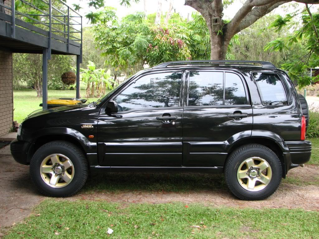 suzuki grand vitara v6 photos reviews news specs buy car. Black Bedroom Furniture Sets. Home Design Ideas