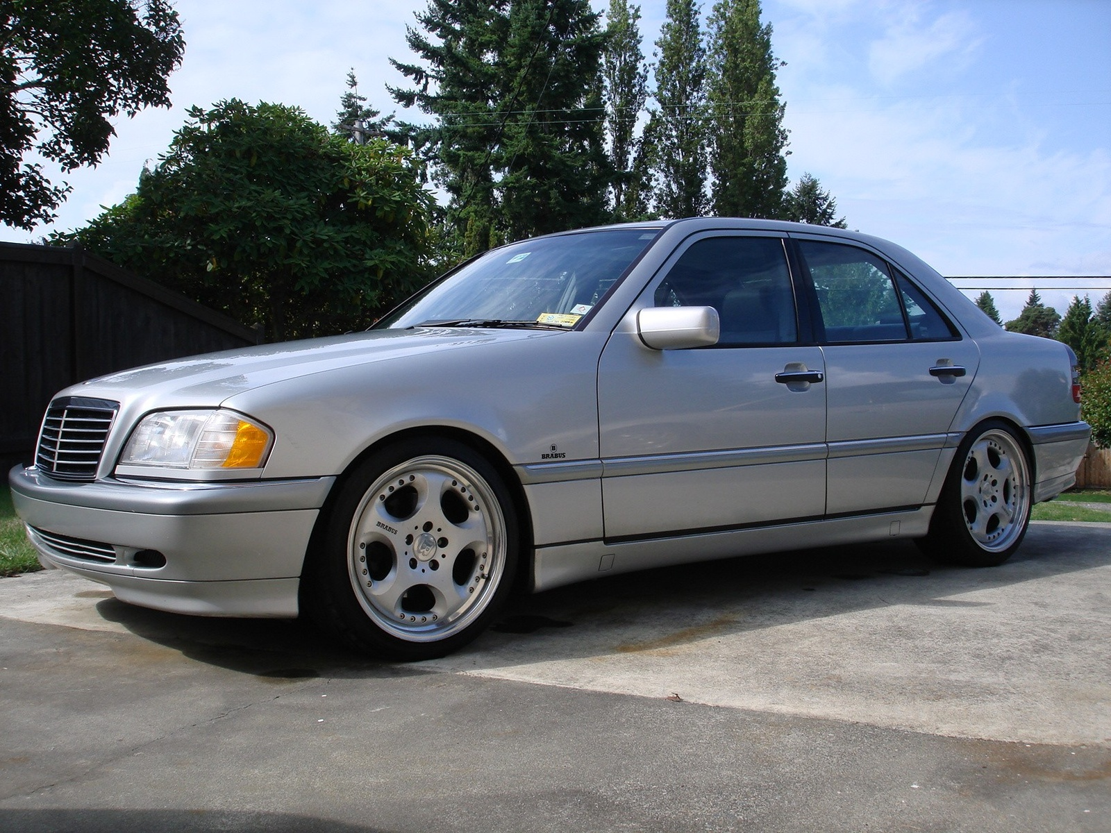 Mercedes benz c 280 photos reviews news specs buy car for Who buys mercedes benz