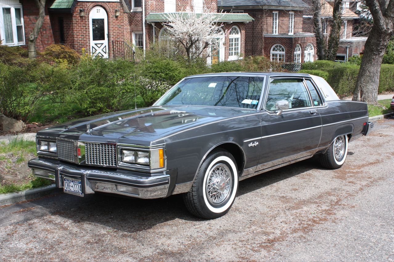 Oldsmobile 98 Regency Photos Reviews News Specs Buy Car