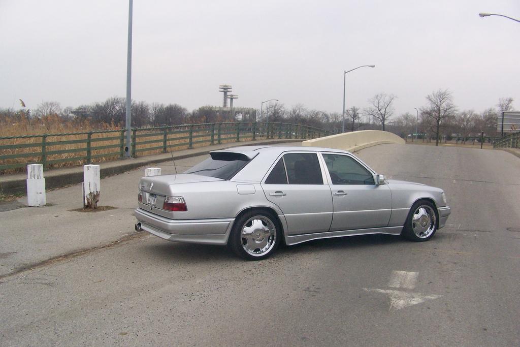 Mercedes benz 300e picture 8 reviews news specs buy car for 1992 mercedes benz 300e