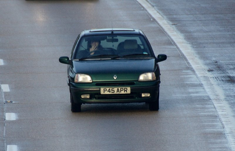 renault clio rt photos reviews news specs buy car