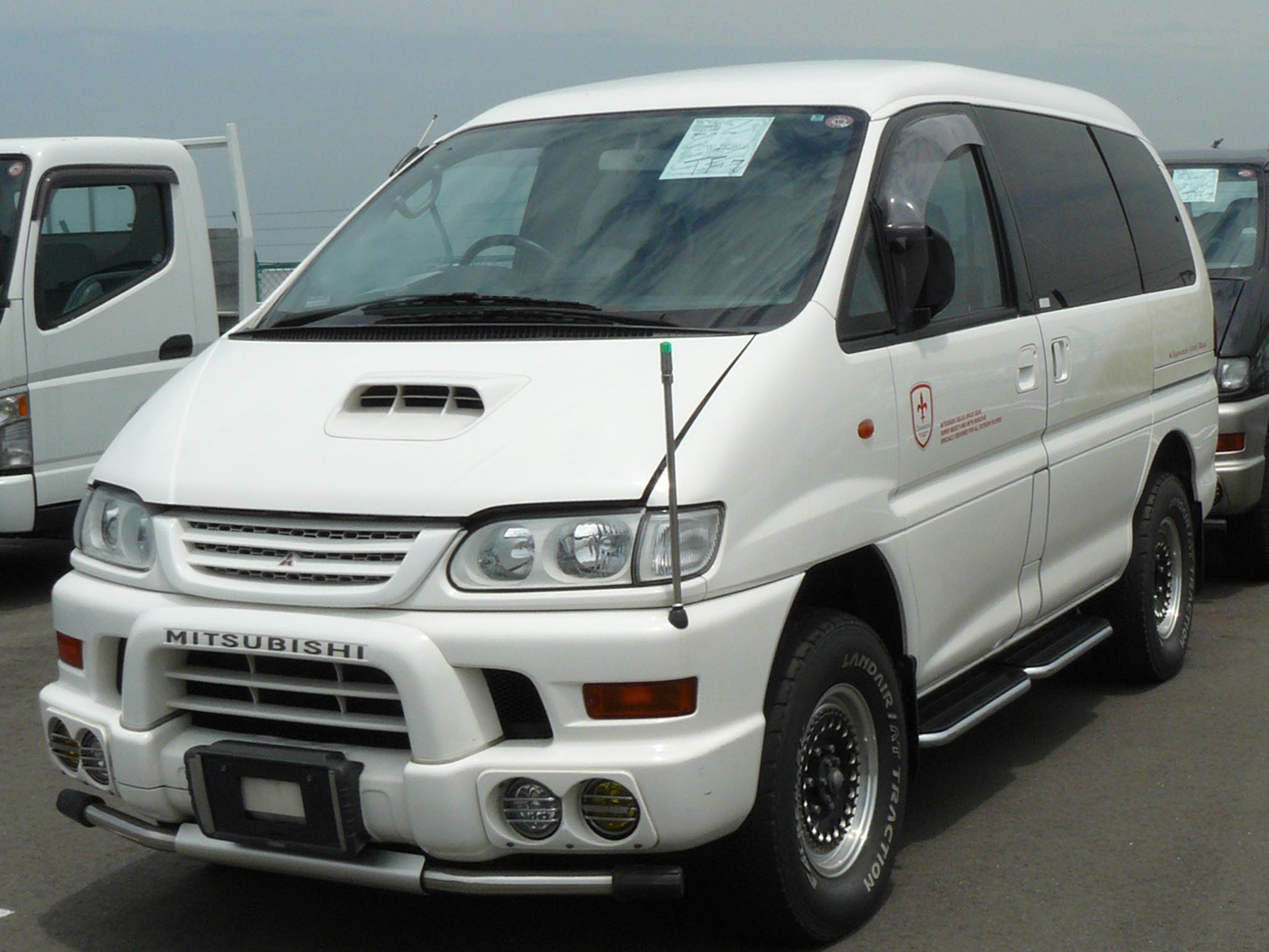 Mitsubishi Delica: specifications and photos 12
