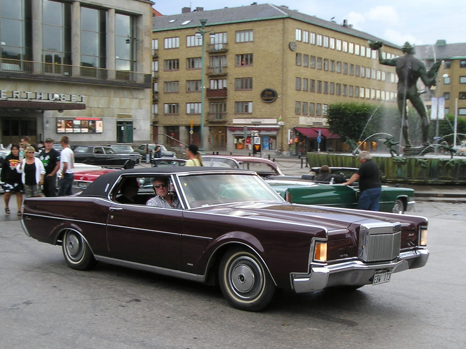 lincoln continental mk iii coupe photos reviews news specs buy car. Black Bedroom Furniture Sets. Home Design Ideas