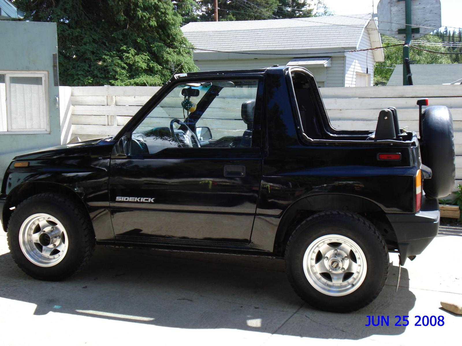 Suzuki Sidekick Picture   14   Reviews  News  Specs  Buy Car
