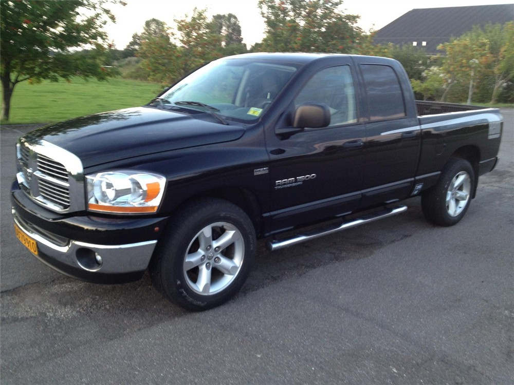 dodge ram 1500 57 hemi photos reviews news specs buy car. Black Bedroom Furniture Sets. Home Design Ideas