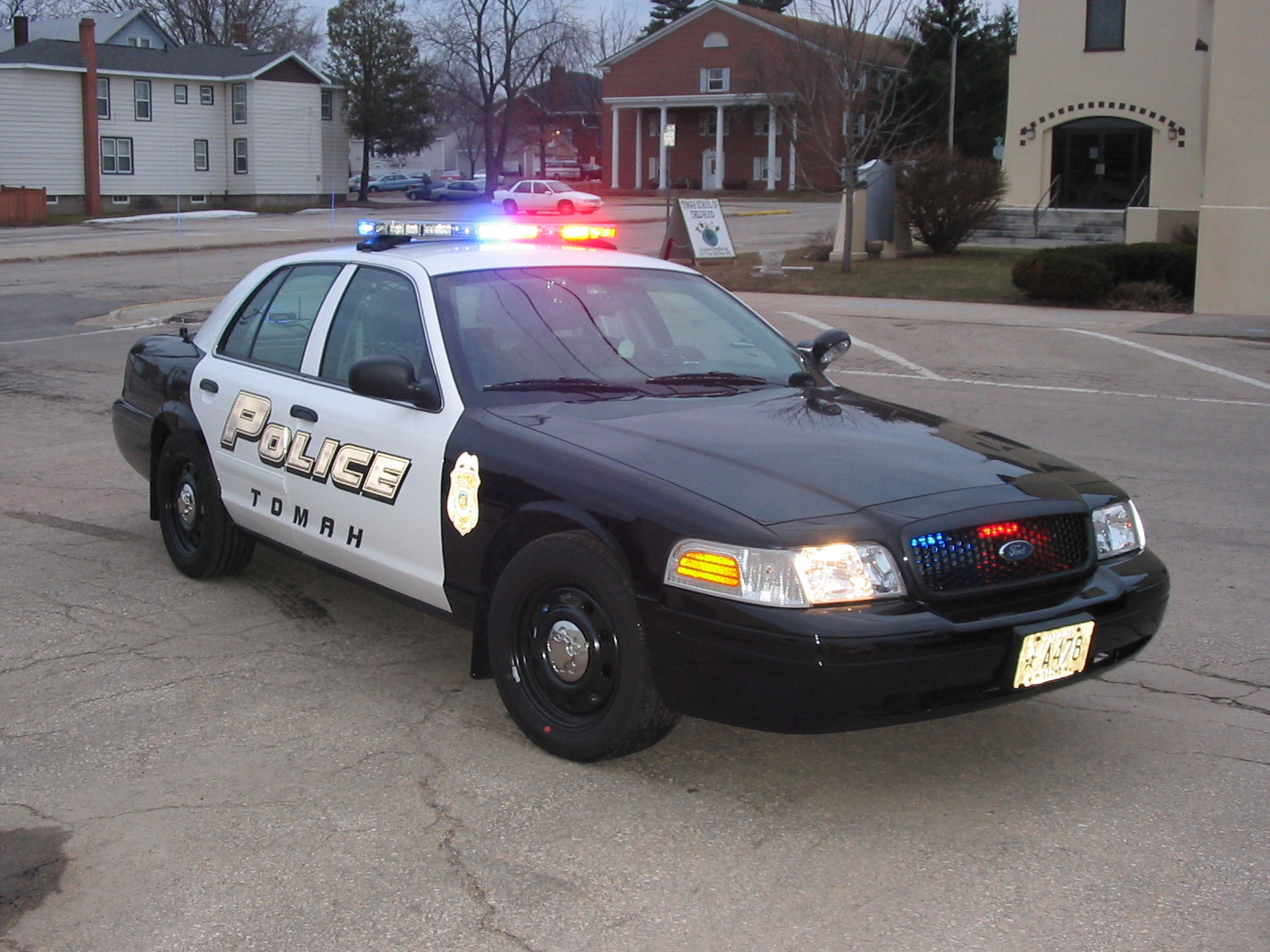 Ford Crown Victoria Police Interceptor Photos Reviews