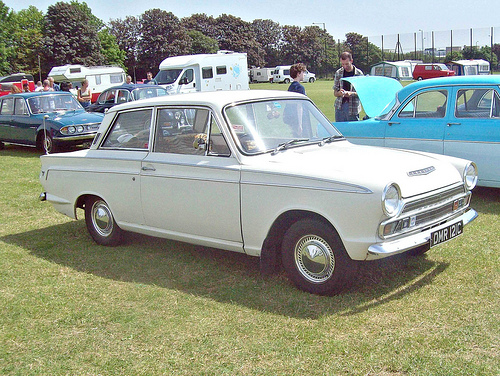 Ford Cortina 2-dr