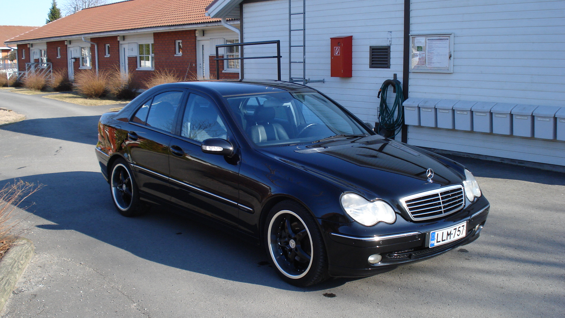 mercedes benz c 320 avantgarde photos reviews news