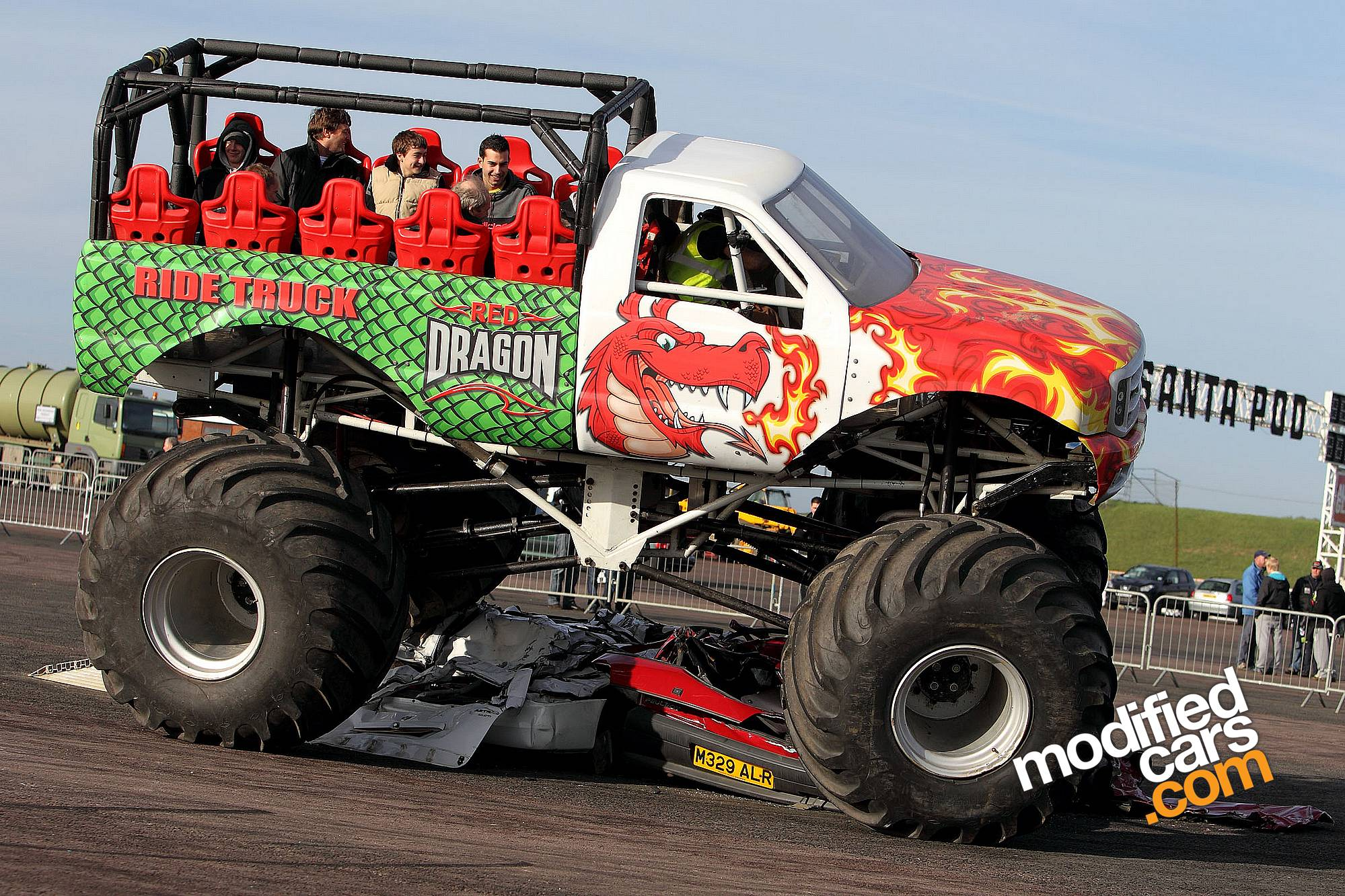 ford monster truck photos reviews news specs buy car. Black Bedroom Furniture Sets. Home Design Ideas