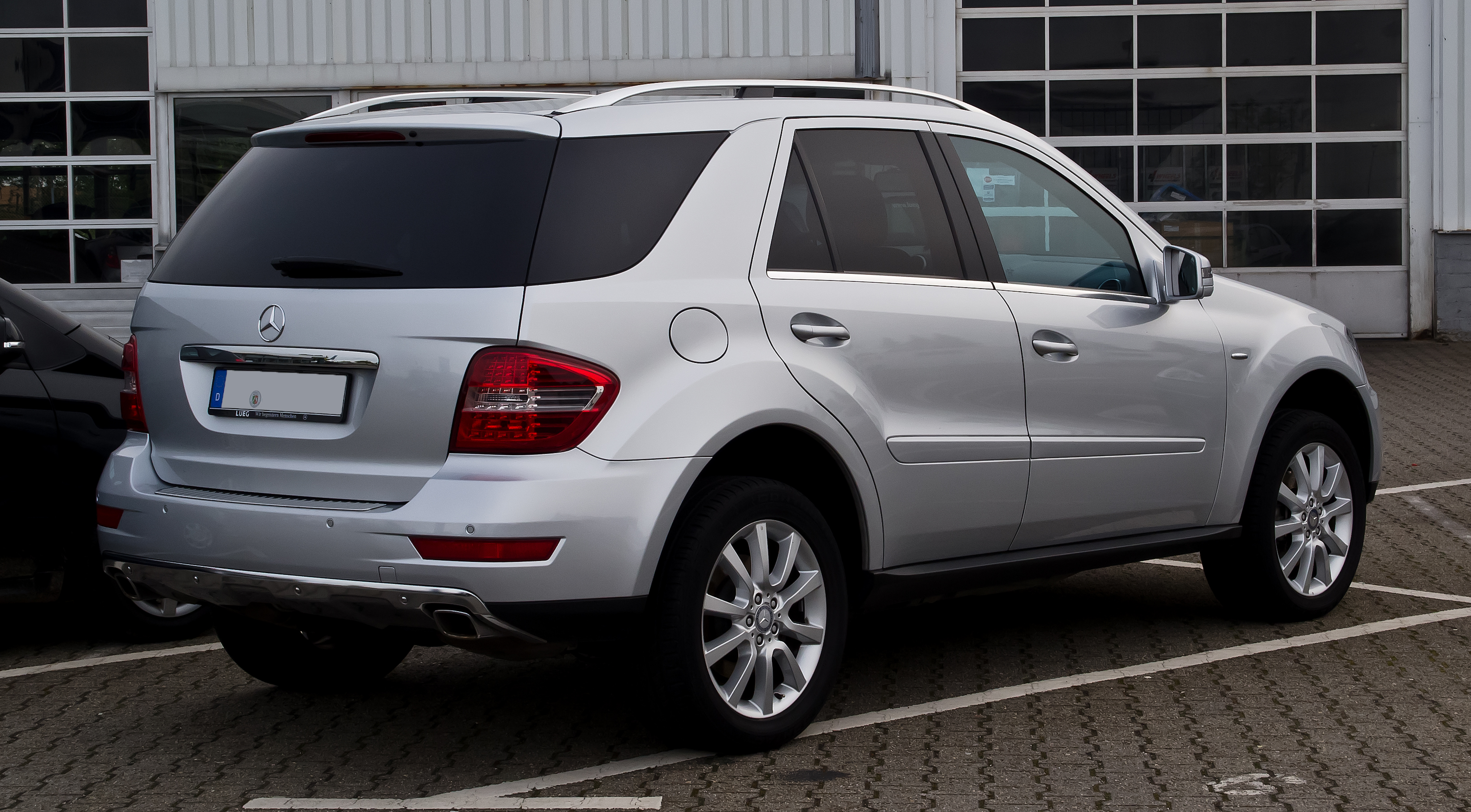 Mercedes benz ml 350 picture 11 reviews news specs for Mercedes benz 350 c