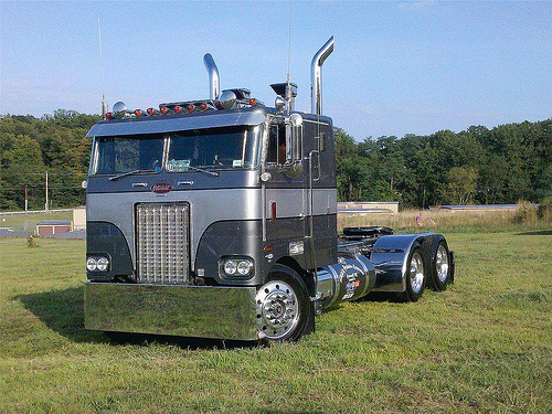 truck paper peterbilt 886 results  peterbilt 579 conventional trucks w / sleeper for sale.