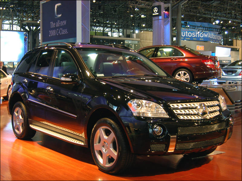 Mercedes benz gl450 photos reviews news specs buy car for Mercedes benz gl450 reviews