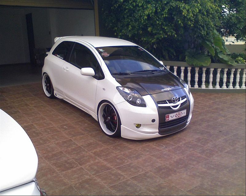 Toyota yaris rs picture 6 reviews news specs buy car