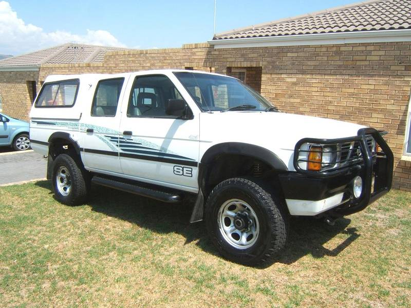 Nissan D21 24 Crew Cab 4x4 Photos Reviews News Specs