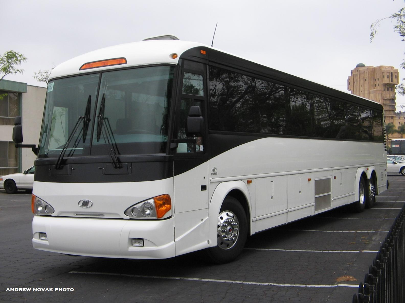 MCI D4505: Photos, Reviews, News, Specs, Buy car