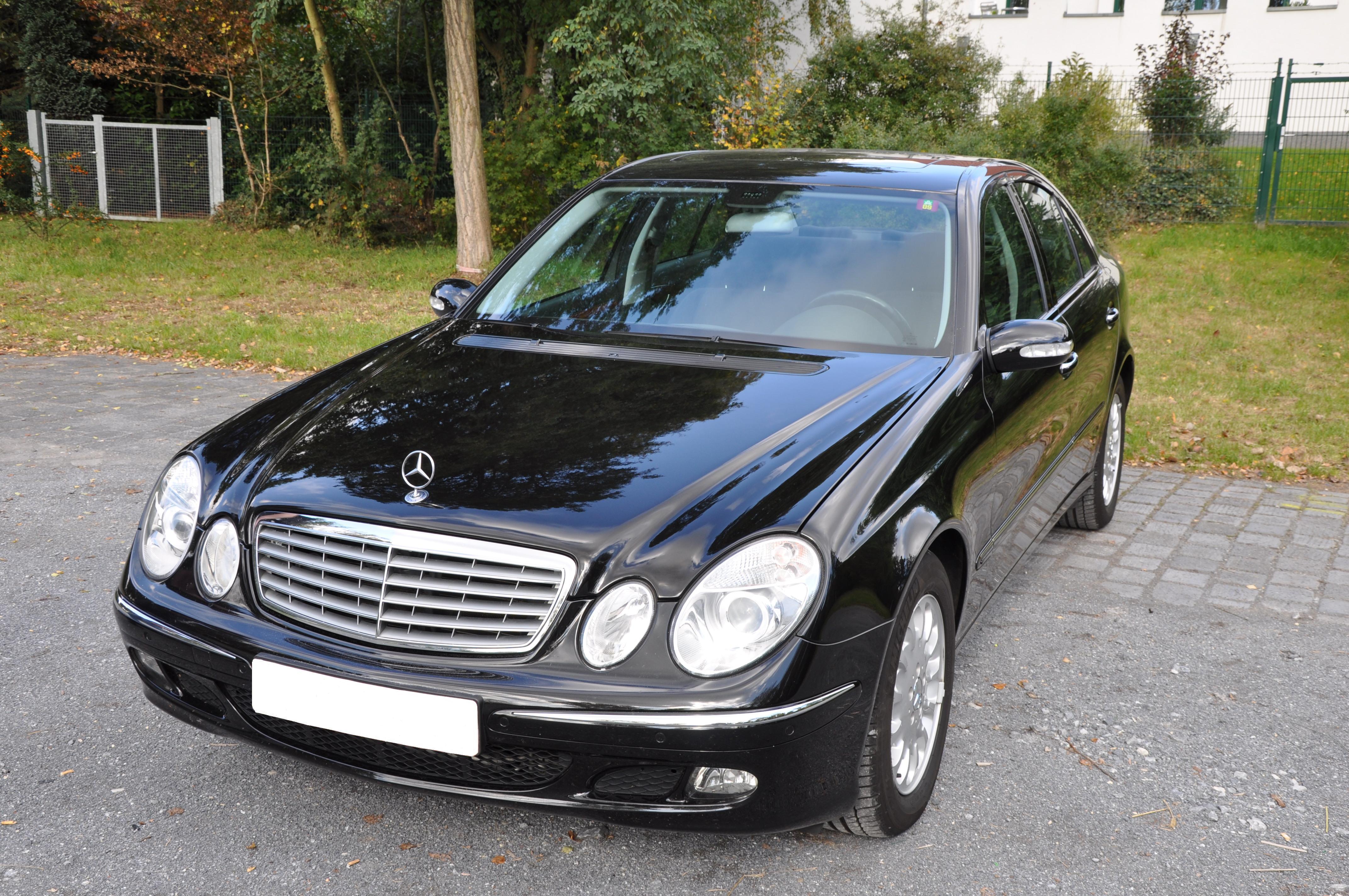 Mercedes benz e 240 elegance photos reviews news specs for Mercedes benz cl 240