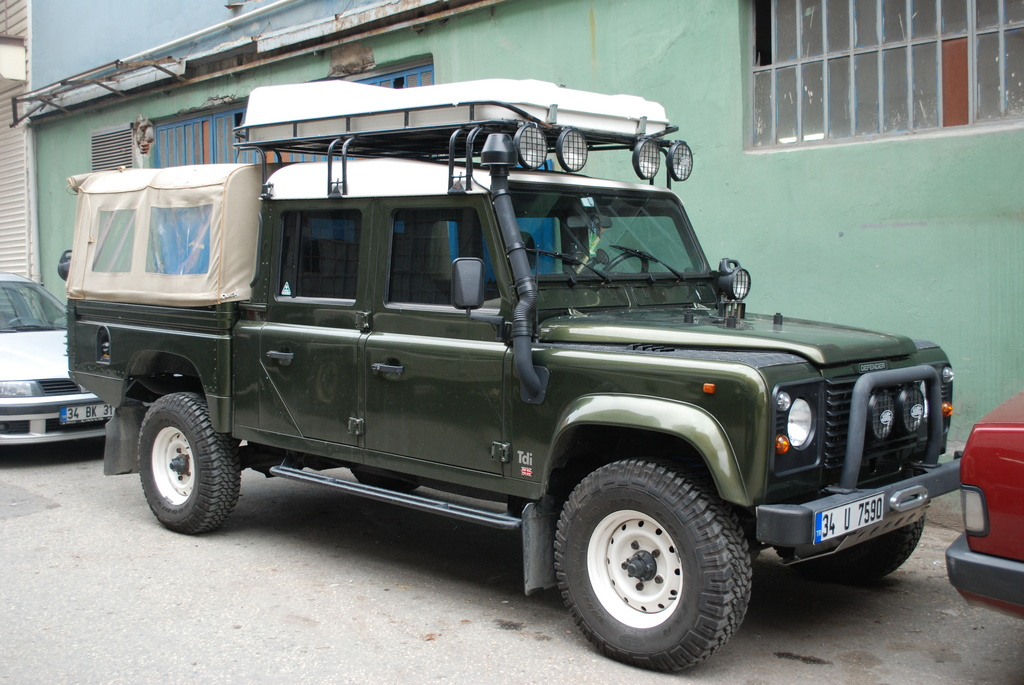 Land Rover Defender 130 Pick Up Photos Reviews News