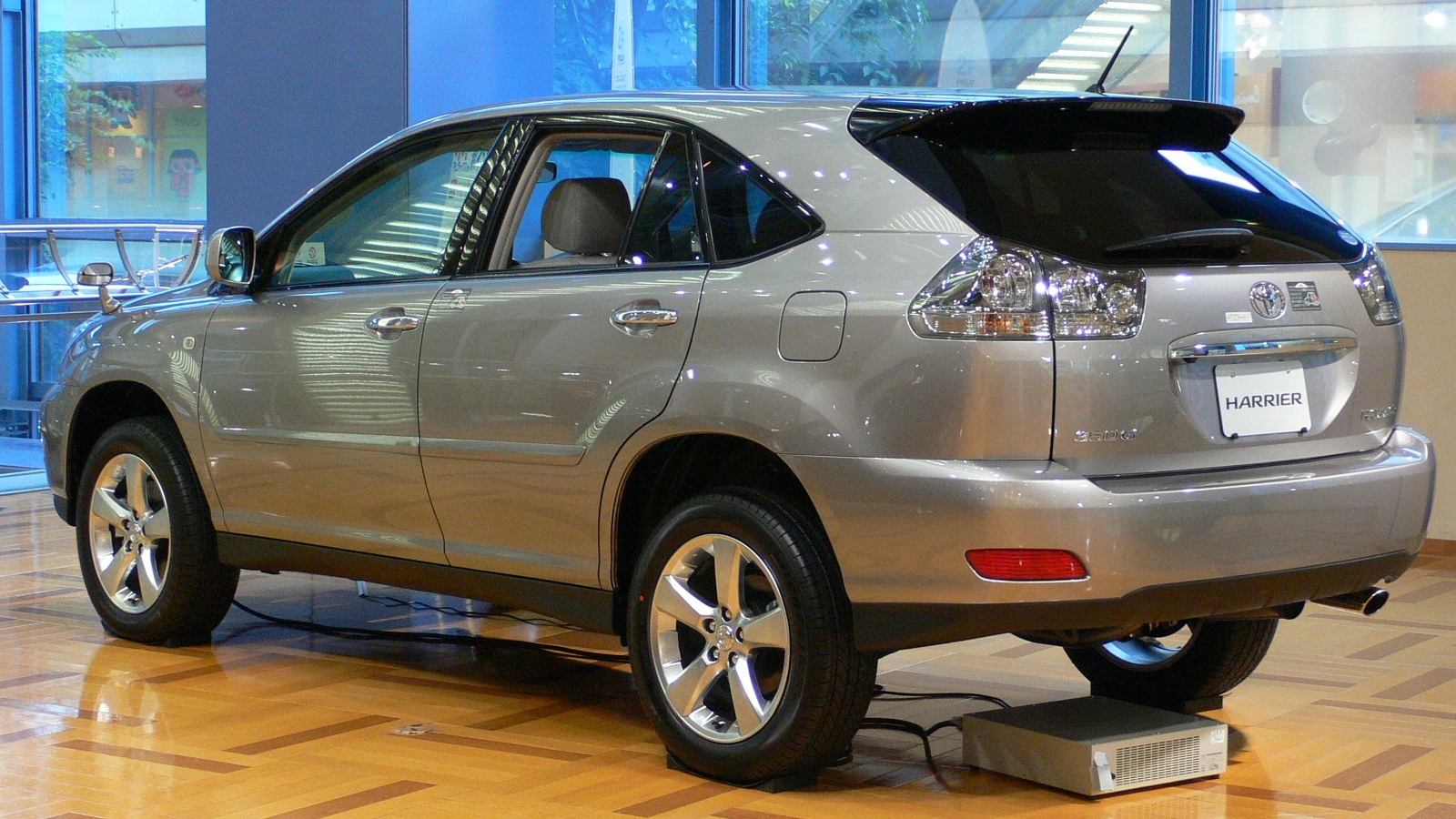 Toyota Harrier Photos Reviews News Specs Buy Car