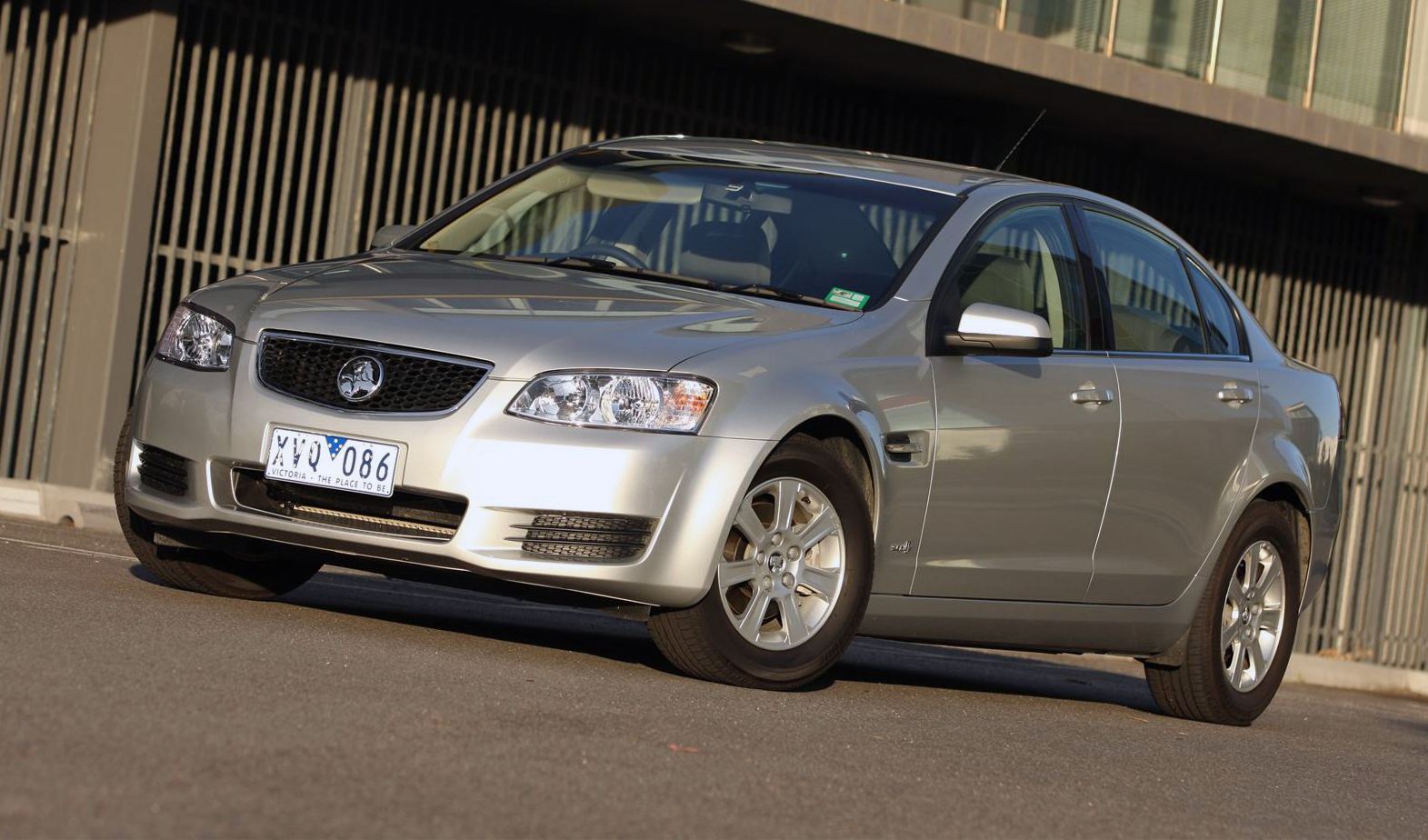 Holden Commodore Omega Picture 12 Reviews News Specs