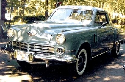 Studebaker Commander Deluxe Starlight Coupe