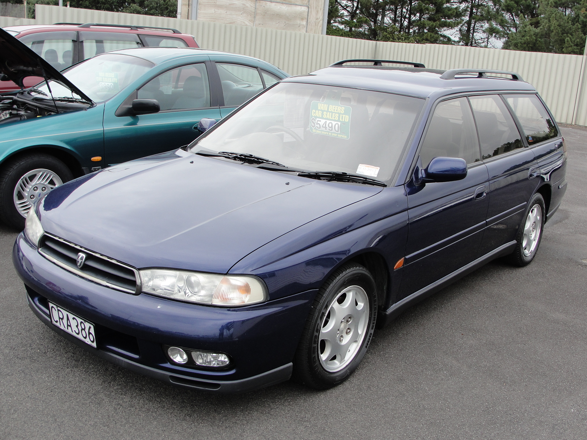 Subaru Legacy 250T Wagon photos.