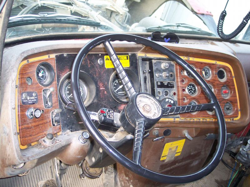Ford 9000 Cabover Interior : New ford l