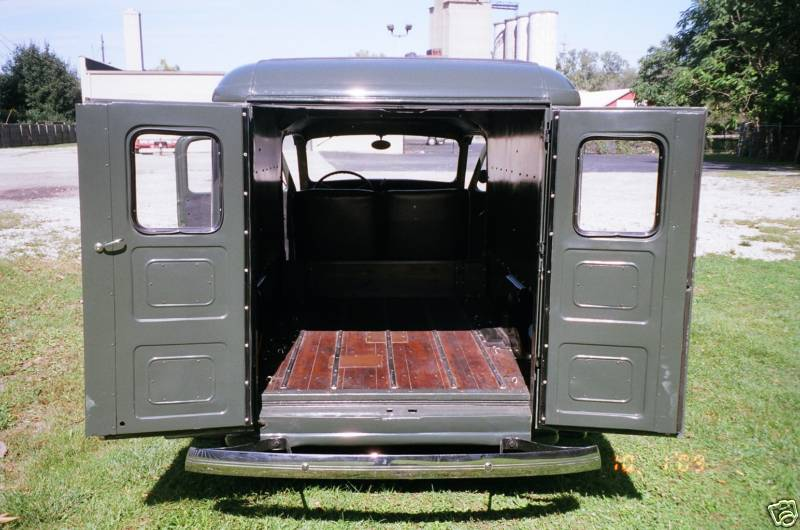 Ford Deluxe Panel