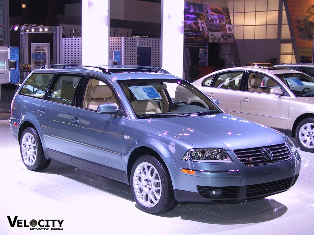 volkswagen passat w8 wagon picture 10 reviews news specs buy car. Black Bedroom Furniture Sets. Home Design Ideas