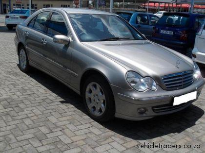 Mercedes benz c 180k classic sedan picture 7 reviews for Buy classic mercedes benz