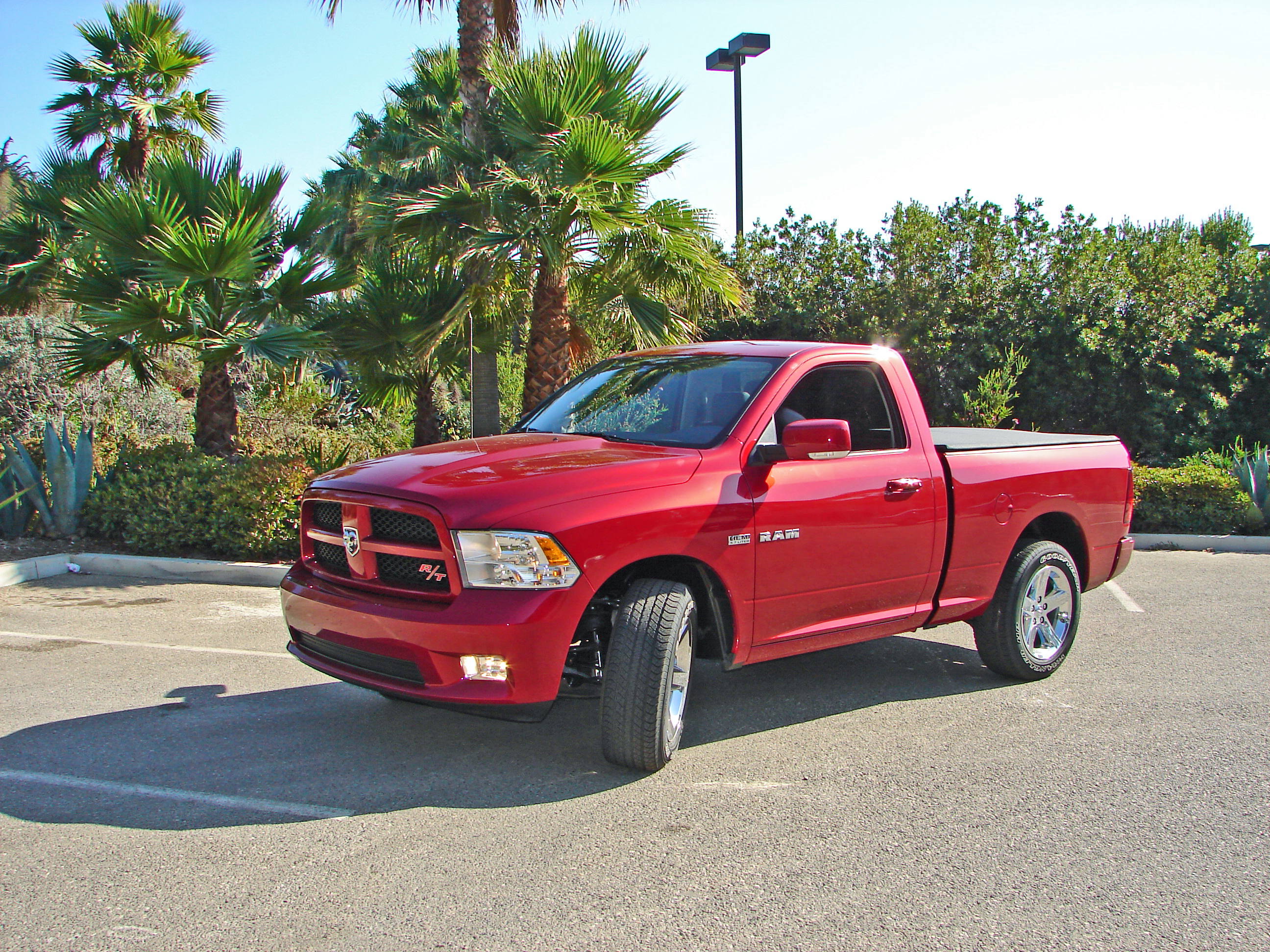 dodge ram 1500 rt photos reviews news specs buy car. Black Bedroom Furniture Sets. Home Design Ideas