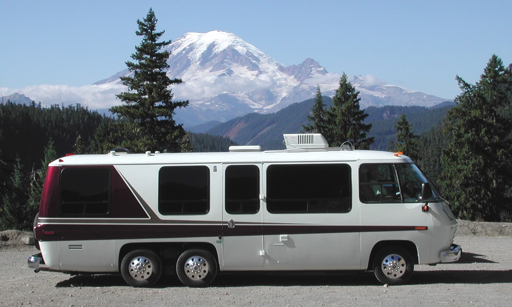 Lastest HART RANCH  With The Rounded Edges, Big Windows, Earthtone Colors And Plaid Upholstery, The GMC Motorhomes Are Like The 1970s With Wheels But To Their Fans, GMC Motorhomes Are Still The Smoothest Riding Recreational Vehicles On