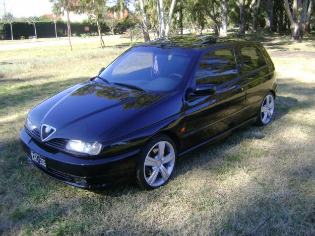alfa romeo 145 quadrifoglio photos reviews news specs buy car. Black Bedroom Furniture Sets. Home Design Ideas
