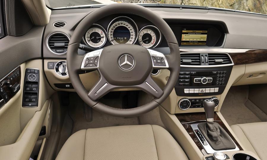 Mercedes-Benz C300 4Matic:picture # 11 , reviews, news