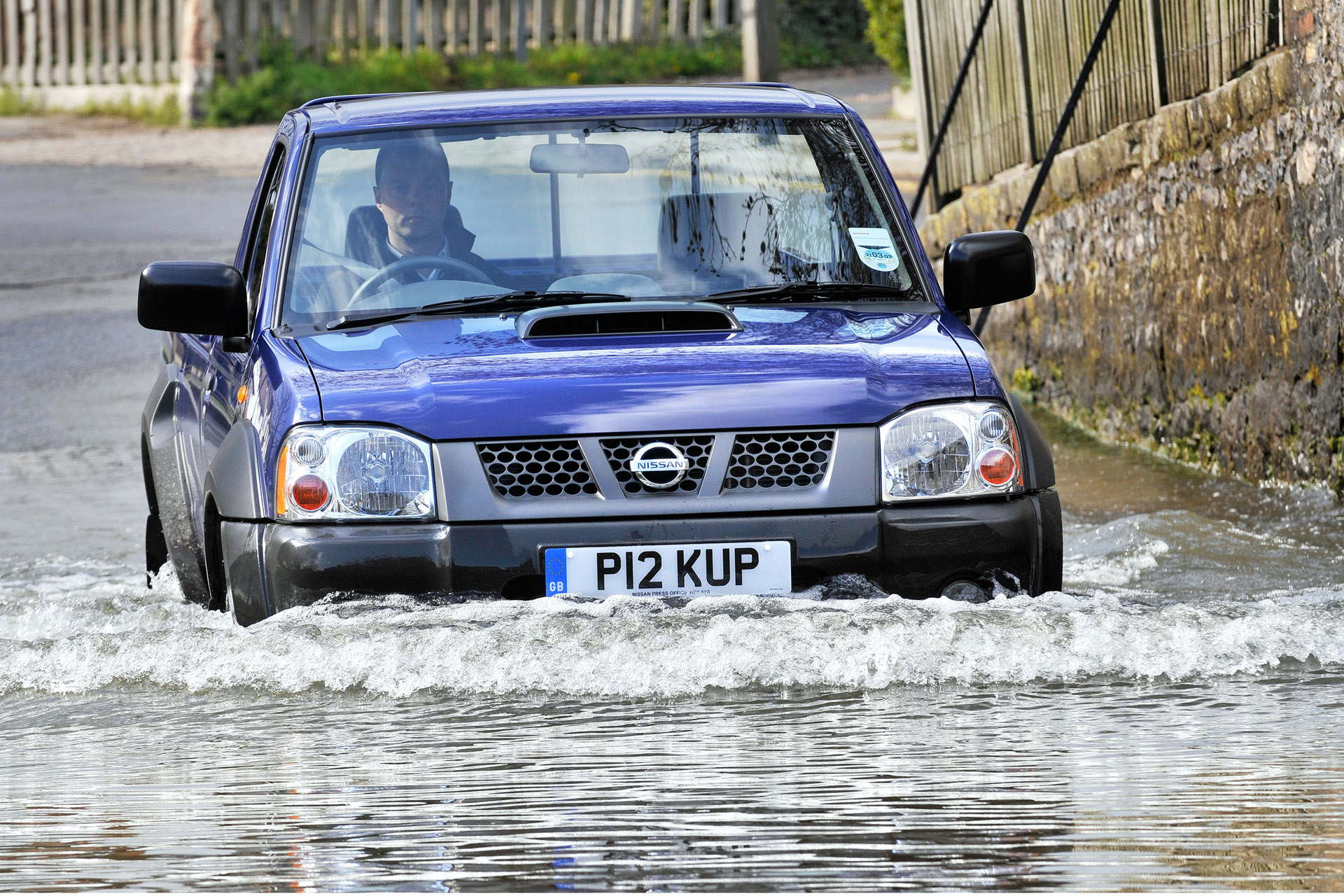 Nissan NP300:picture # 12 , reviews, news, specs, buy car